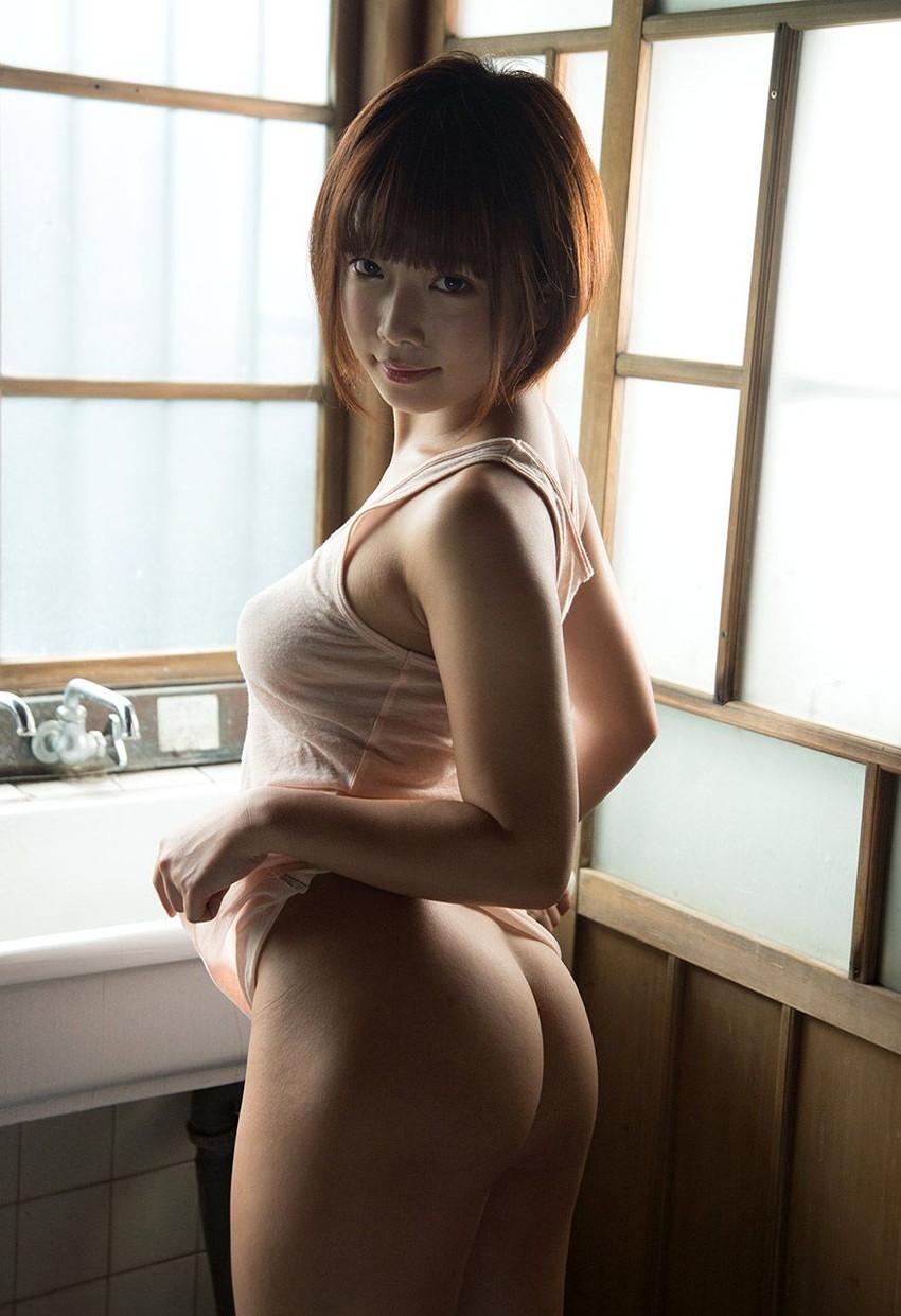 【ヌードエロ画像】紗倉まなの綺麗なおっぱいヌード!男がそそる理想的なスケベな体型・・・ 13