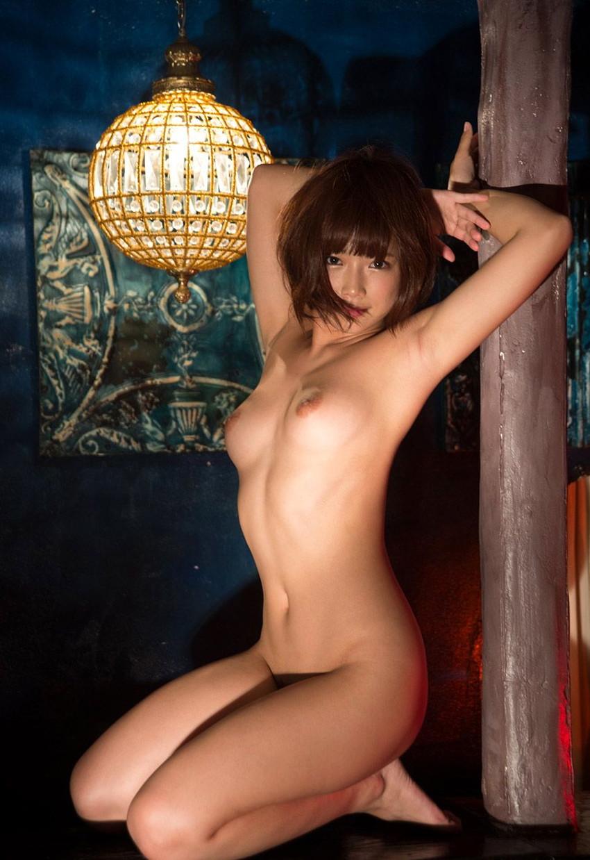 【ヌードエロ画像】紗倉まなの綺麗なおっぱいヌード!男がそそる理想的なスケベな体型・・・ 24