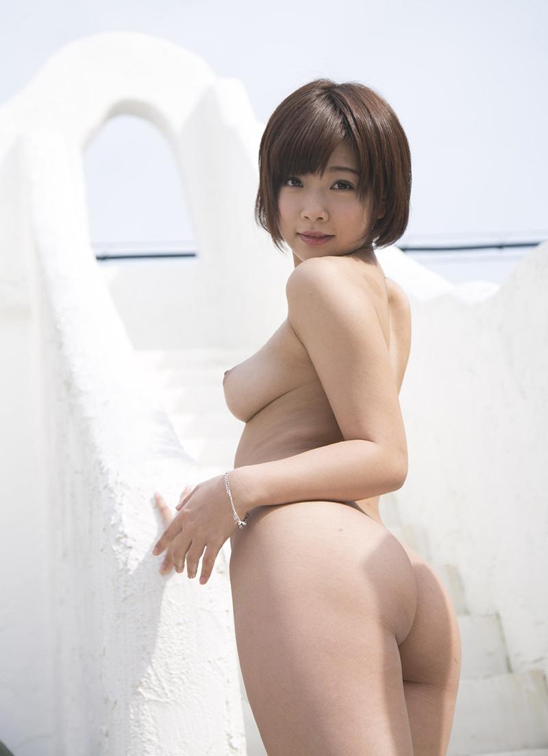 【ヌードエロ画像】紗倉まなの綺麗なおっぱいヌード!男がそそる理想的なスケベな体型・・・ 46