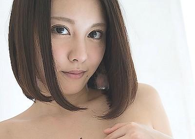 【ヌードエロ画像】松岡ちなちゃんの清楚グラビアヌード!柔らかそうな巨乳も最高です!