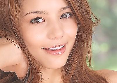 【ヌードエロ画像】ハーフ美人のRioちゃんのスケベヌードグラビア!エッチでスレンダーな身体に注目!