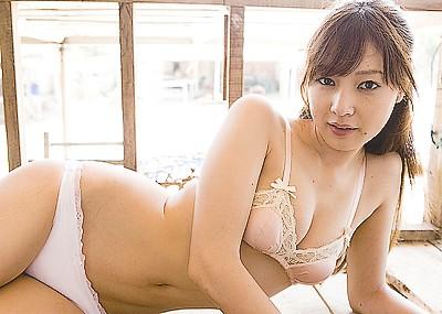 【グラビアエロ画像】闇金ウシジマくんに出演した池田夏希のエログラビア!