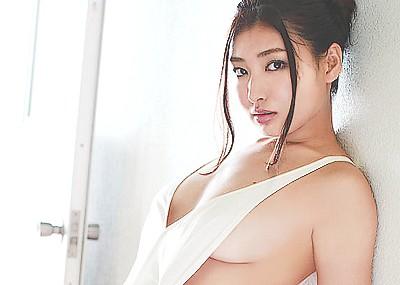 【グラビアエロ画像】太田千晶のムチムチEカップ画像!着衣画像も少しあります!