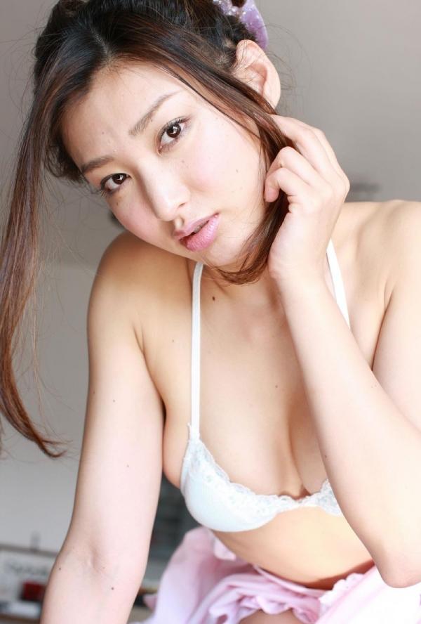 【グラビアエロ画像】太田千晶のムチムチEカップ画像!着衣画像も少しあります! 09