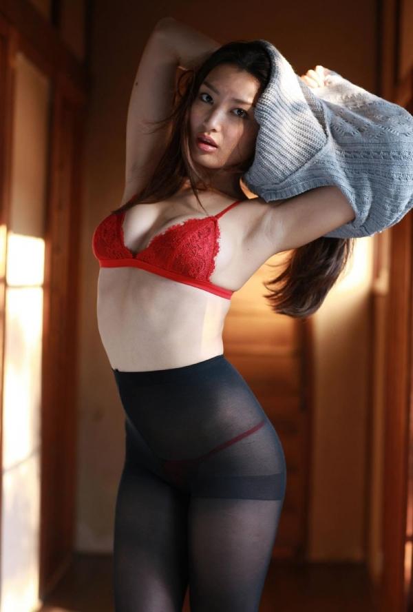 【グラビアエロ画像】太田千晶のムチムチEカップ画像!着衣画像も少しあります! 15