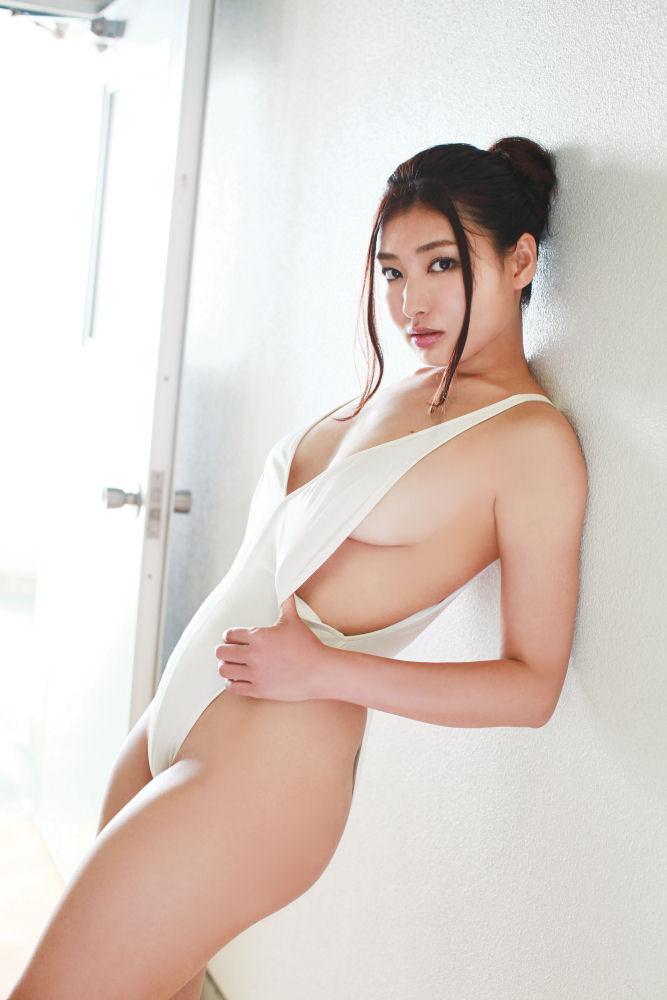 【グラビアエロ画像】太田千晶のムチムチEカップ画像!着衣画像も少しあります! 48