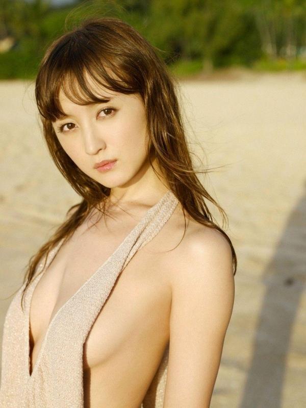 【グラビアエロ画像】岩手の色白美人、小松彩夏のDカップ過激グラビア! 47