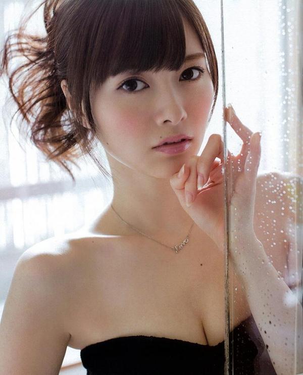 【グラビアエロ画像】乃木坂46の白石麻衣ちゃんのズリネタになりそうな抜ける画像集めたよ! 23
