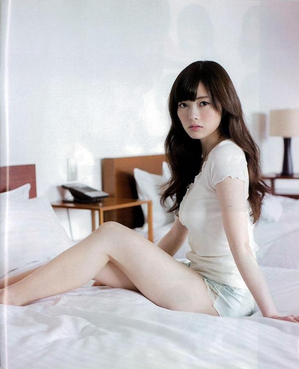 【グラビアエロ画像】乃木坂46の白石麻衣ちゃんのズリネタになりそうな抜ける画像集めたよ! 24