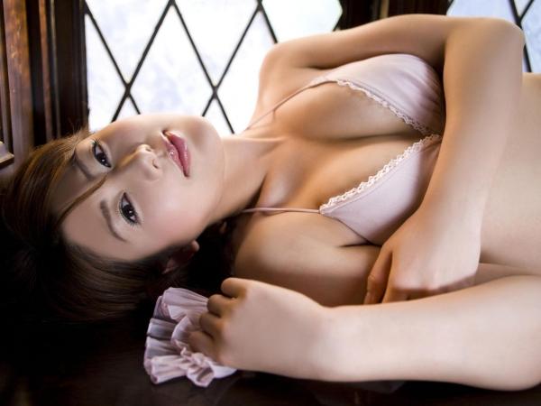 【グラビアエロ画像】人妻になってさらにスケベなフェロモン全開!安めぐみのムチムチパーフェクトボディ! 34
