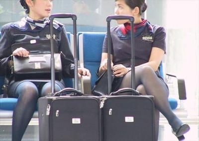 【黒タイツエロ画像】素人女性の黒タイツ姿がめちゃシコれるw街中や電車でこっそり盗撮しちゃいましたw 39