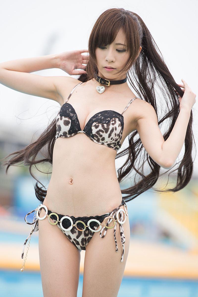 【グラビアエロ画像】キャンギャルの天使梨桜ちゃんのスレンダーグラビアがめちゃシコwコスプレ画像もあります! 14