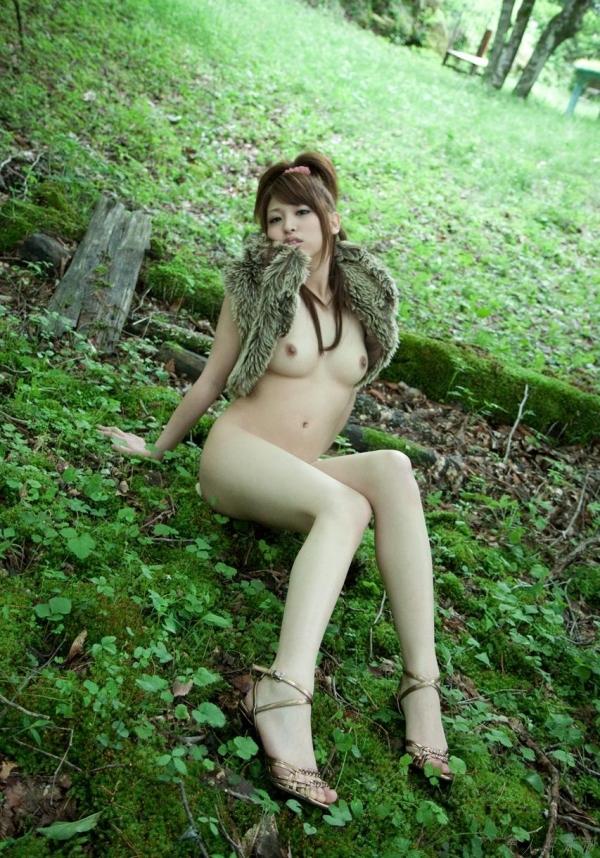 【ヌードエロ画像】若妻感がたまらない!秋山祥子のグラマーでエッチな身体をご堪能くださいw 43
