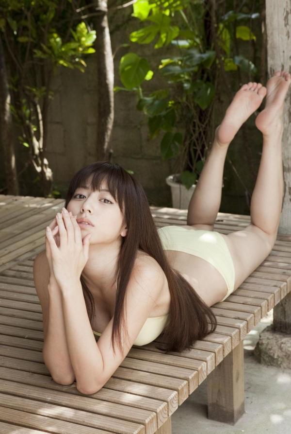 【グラビアエロ画像】杉本有美の清楚な雰囲気と成熟した身体が最高にエロくてシコれるwww 09