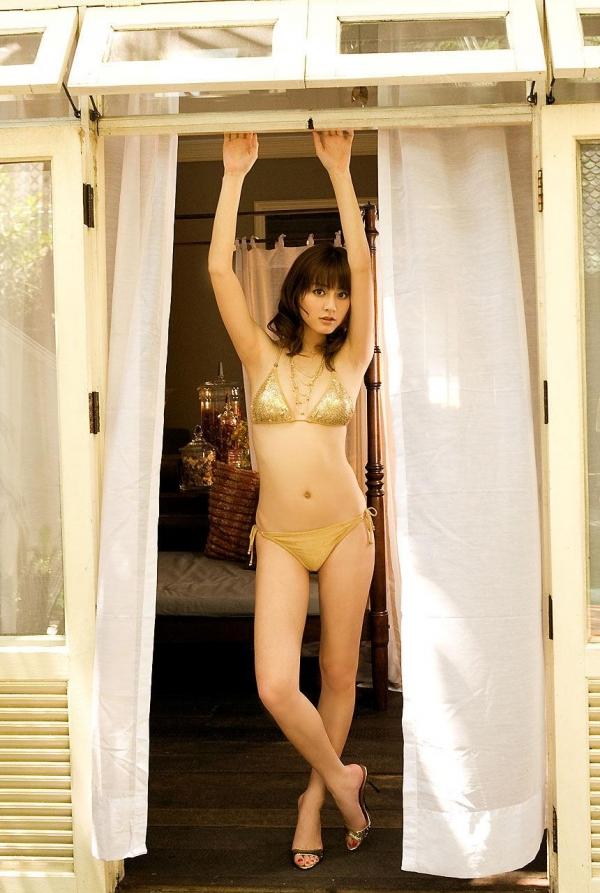 【グラビアエロ画像】杉本有美の清楚な雰囲気と成熟した身体が最高にエロくてシコれるwww 16