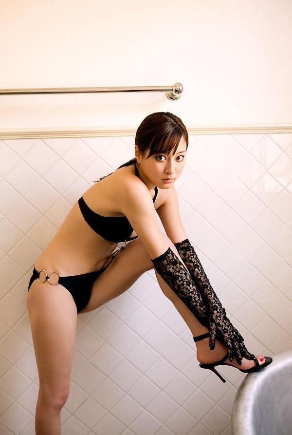【グラビアエロ画像】杉本有美の清楚な雰囲気と成熟した身体が最高にエロくてシコれるwww 21