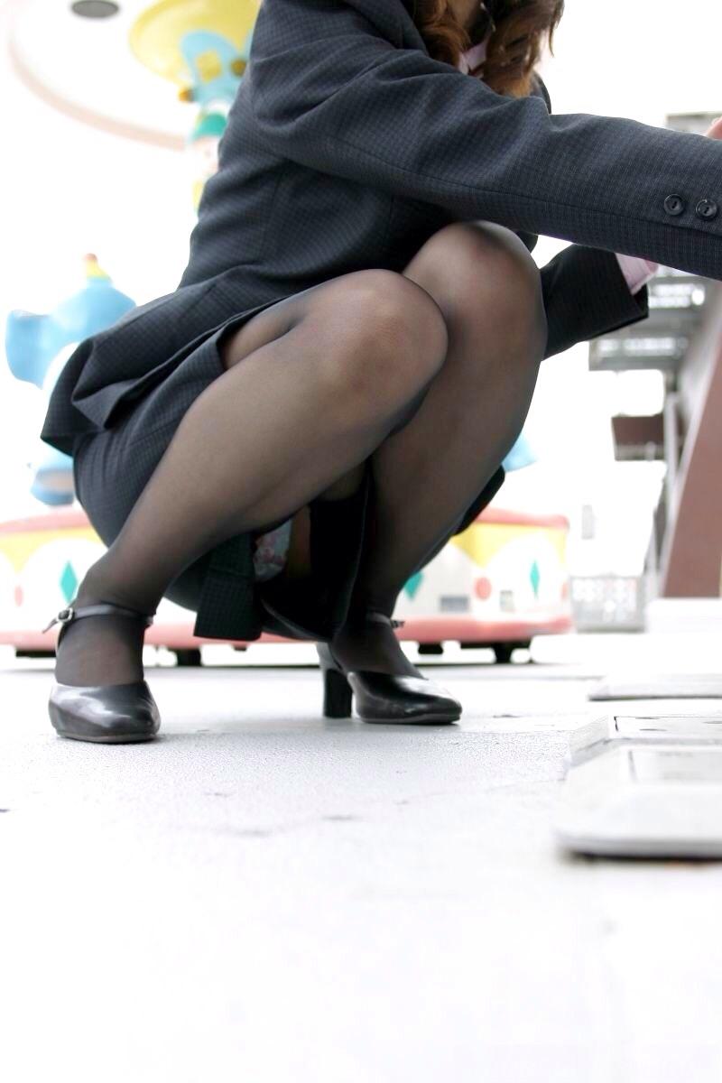 【盗撮エロ画像】働く素人女性のパンチラ画像wwwエロ過ぎて仕事に集中できね・・・。 06