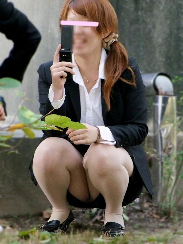 【盗撮エロ画像】働く素人女性のパンチラ画像wwwエロ過ぎて仕事に集中できね・・・。 47