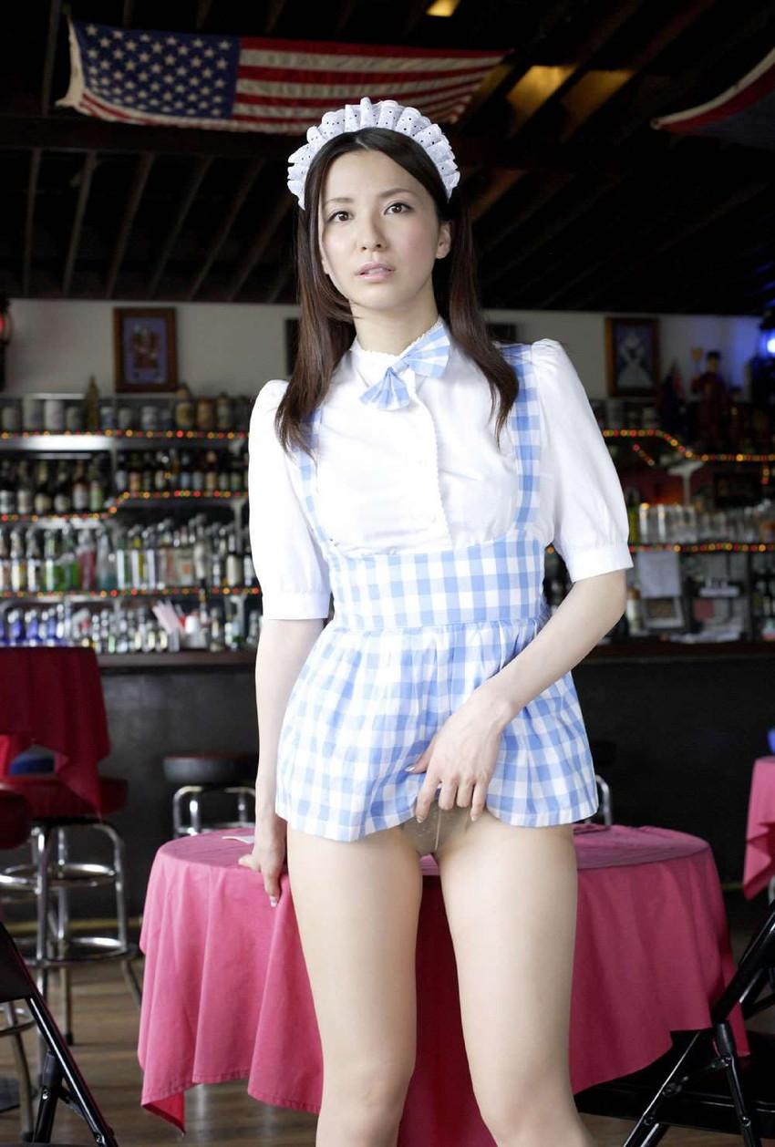 【グラビアエロ画像】綺麗なお姉さんの代表、戸田れいの純白ビキニやメイド姿がスケベすぎる件wwww 43