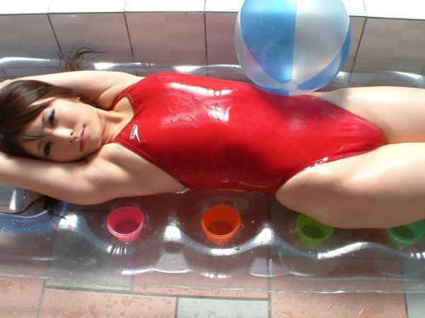 【着エロエロ画像】元AV女優の有村千佳のローションでヌルヌルになったスク水姿がシコリティ高すぎだぞwwww 43