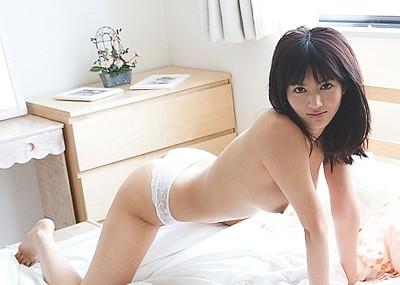 【完璧ボディエロ画像】10等身が自慢のAV女優、麻生希のドスケベヌードwww