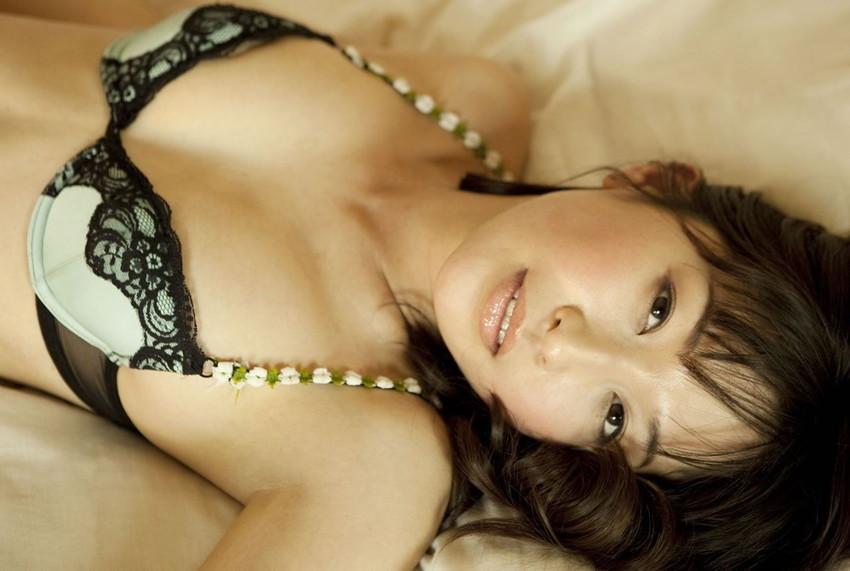 【完熟ボディエロ画像】グラビアの女王、小野真弓のエッチすぎるグラビアwww 07