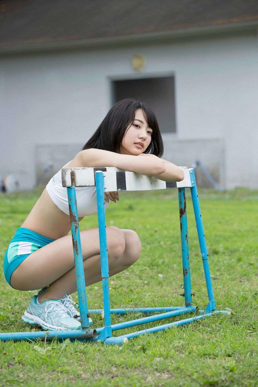 【武田玲奈エロ画像】黒髪美少女のちょっとセクシーな感じのグラビアwww 18