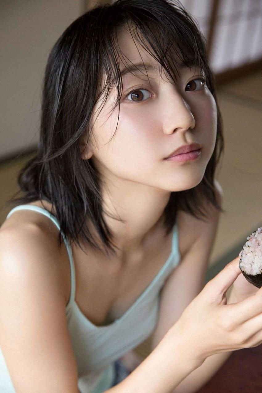 【武田玲奈エロ画像】黒髪美少女のちょっとセクシーな感じのグラビアwww 29