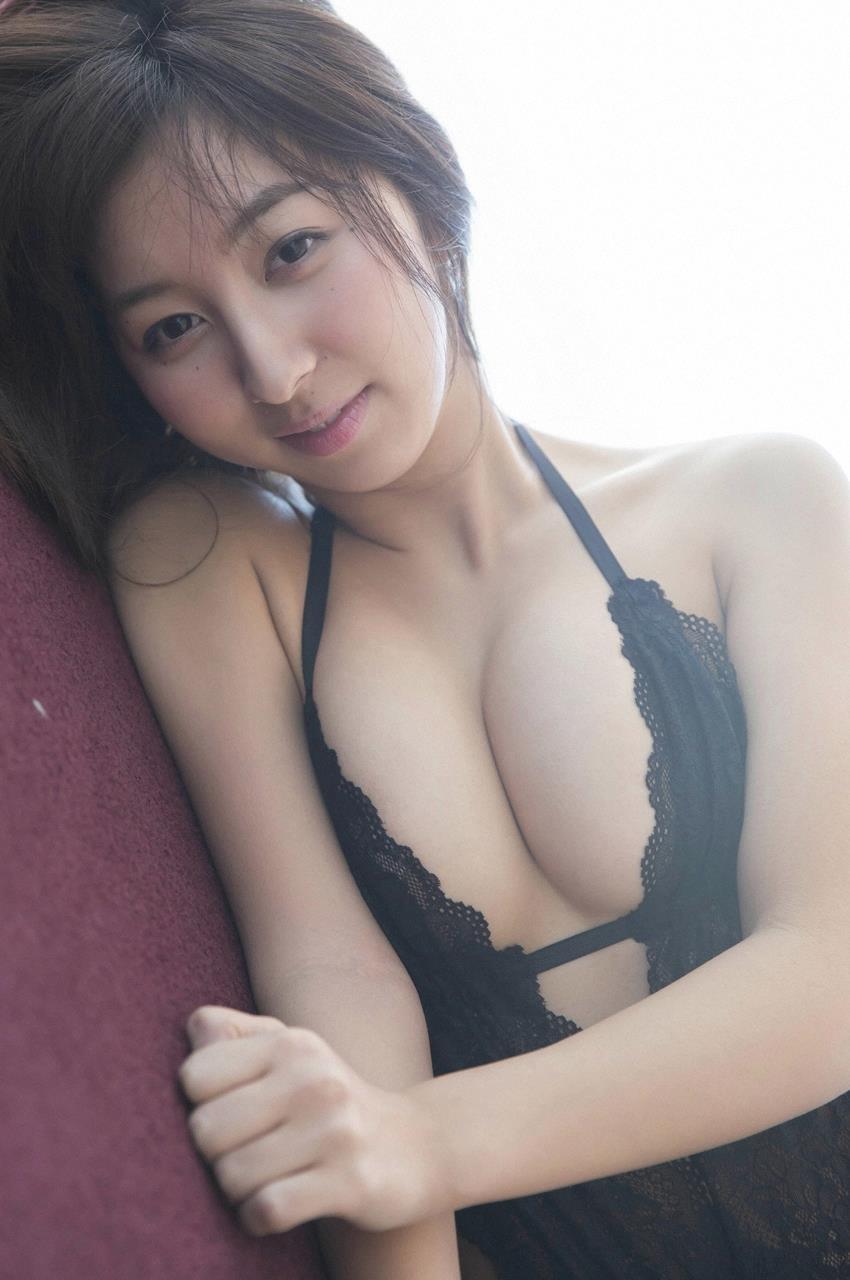 【女性声優エロ画像】ラブライブの飯田里穂ちゃんのエッチな身体www 45