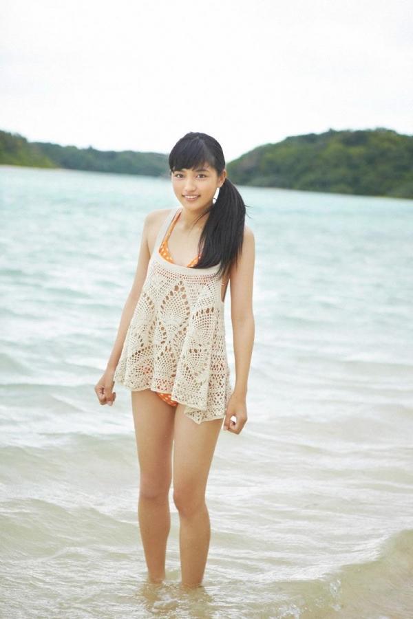 【川口春奈エロ画像】CMやドラマで大活躍のファッションモデル、その貧乳ボディがたまらないwww
