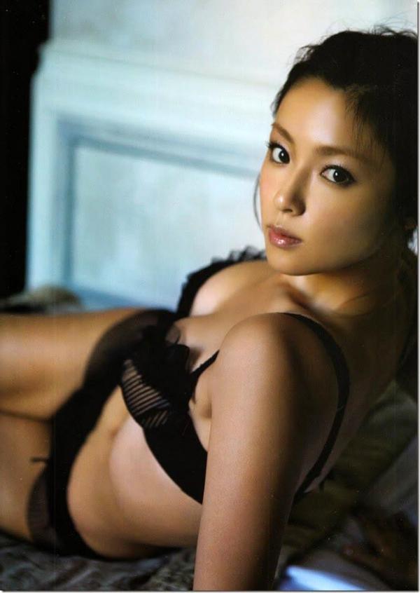 【深田恭子エロ画像】30歳を超えてもまたまだ健在なグラマラスエロボディが最高すぎる件www 15