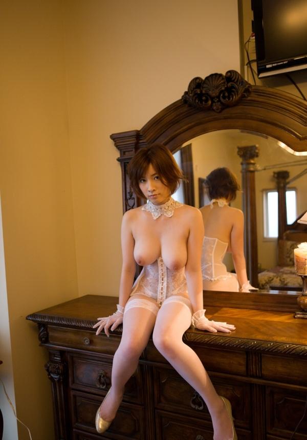 【奥田咲エロ画像】熟女系の役から何でもこなせる万能女優の、巨乳ヌードとセックス画像www 15