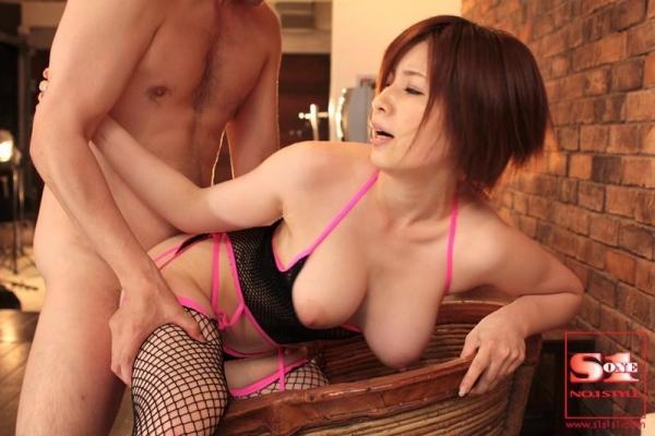 【奥田咲エロ画像】熟女系の役から何でもこなせる万能女優の、巨乳ヌードとセックス画像www 49