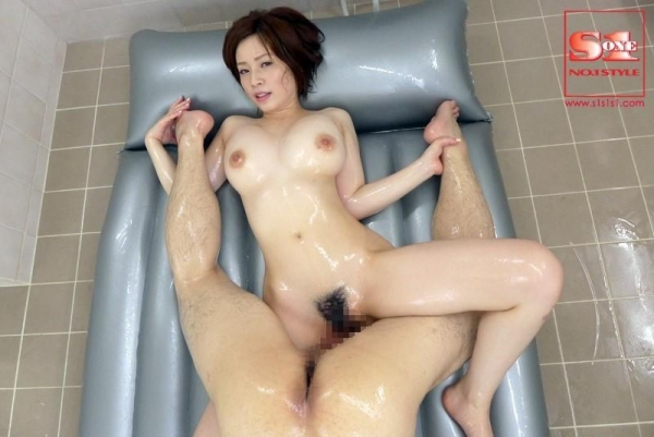 【奥田咲エロ画像】熟女系の役から何でもこなせる万能女優の、巨乳ヌードとセックス画像www 50