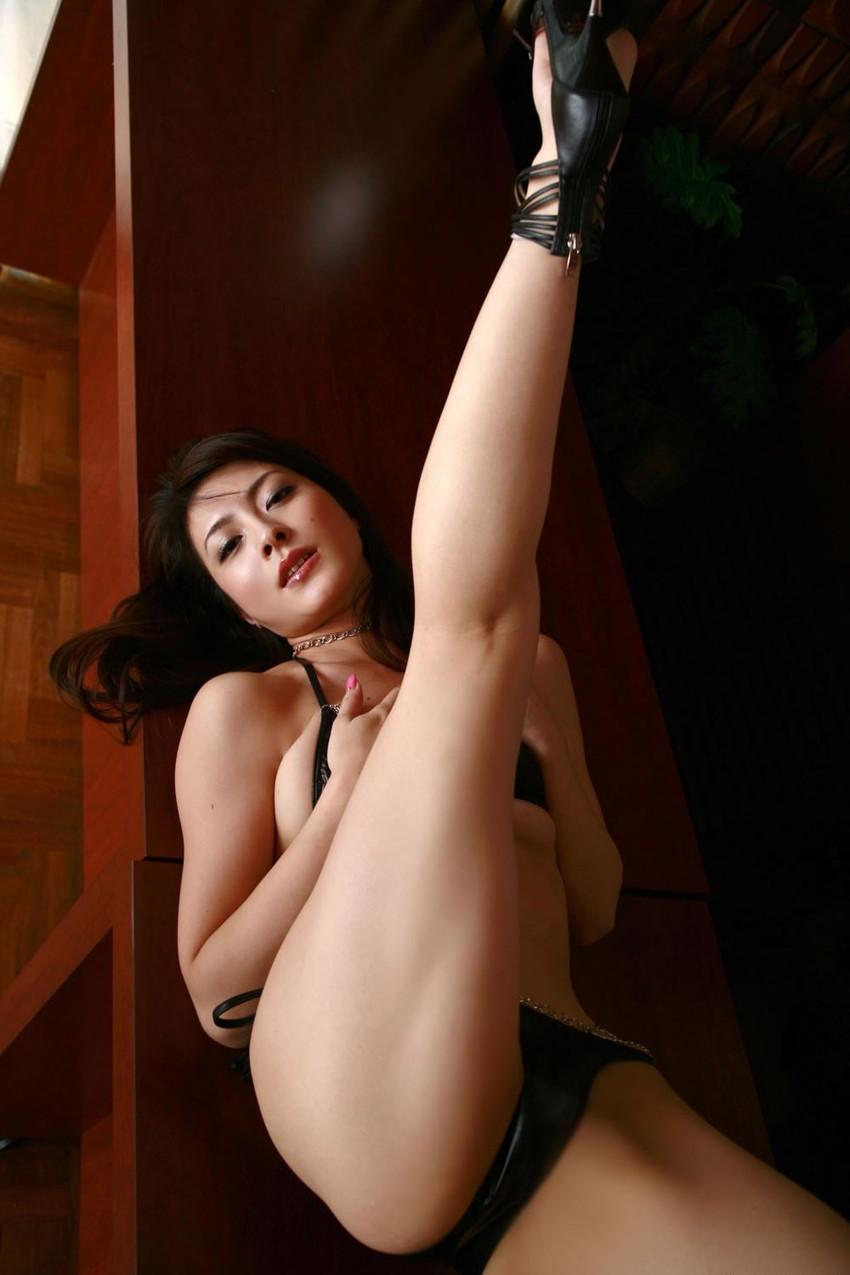 【川村りかエロ画像】三十路熟女の大人の魅力あふれるセクシーグラビアwww 13