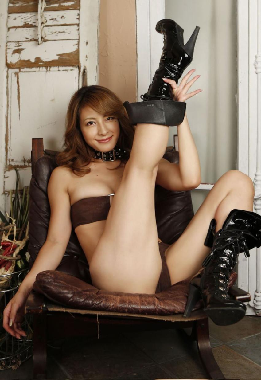 【川村りかエロ画像】三十路熟女の大人の魅力あふれるセクシーグラビアwww 16