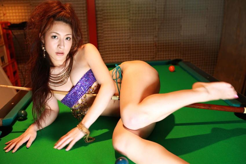 【川村りかエロ画像】三十路熟女の大人の魅力あふれるセクシーグラビアwww 34