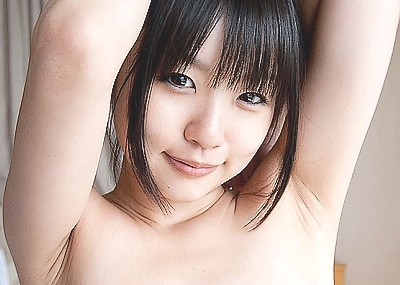 【腋エロ画像】美女たちのジョリジョリ感があったり、毛がぼうぼうの腋フェチ画像www