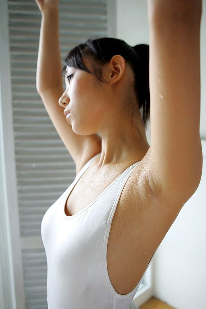 【腋エロ画像】美女たちのジョリジョリ感があったり、毛がぼうぼうの脇フェチ画像www 06