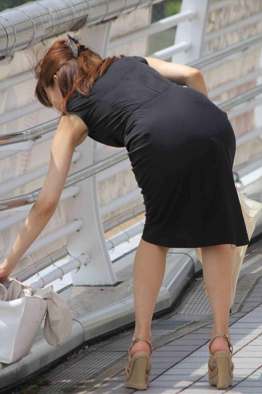 【腋エロ画像】美女たちのジョリジョリ感があったり、毛がぼうぼうの脇フェチ画像www 16