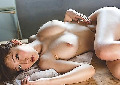 【木下あずみエロ画像】Hカップ爆乳AV女優のムチムチヌードwww