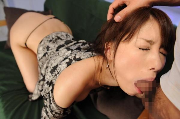 【イマラチオエロ画像】喉奥にチンコを突っ込まれてオエッてなっている画像www 05