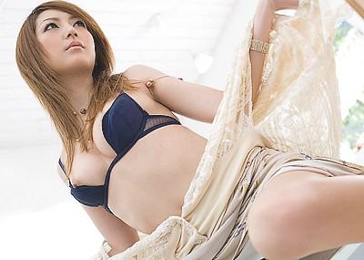 【松島かえでエロ画像】国内外問わず大人気の元AV女優、彼女のエッチな身体が堪能できる画像www