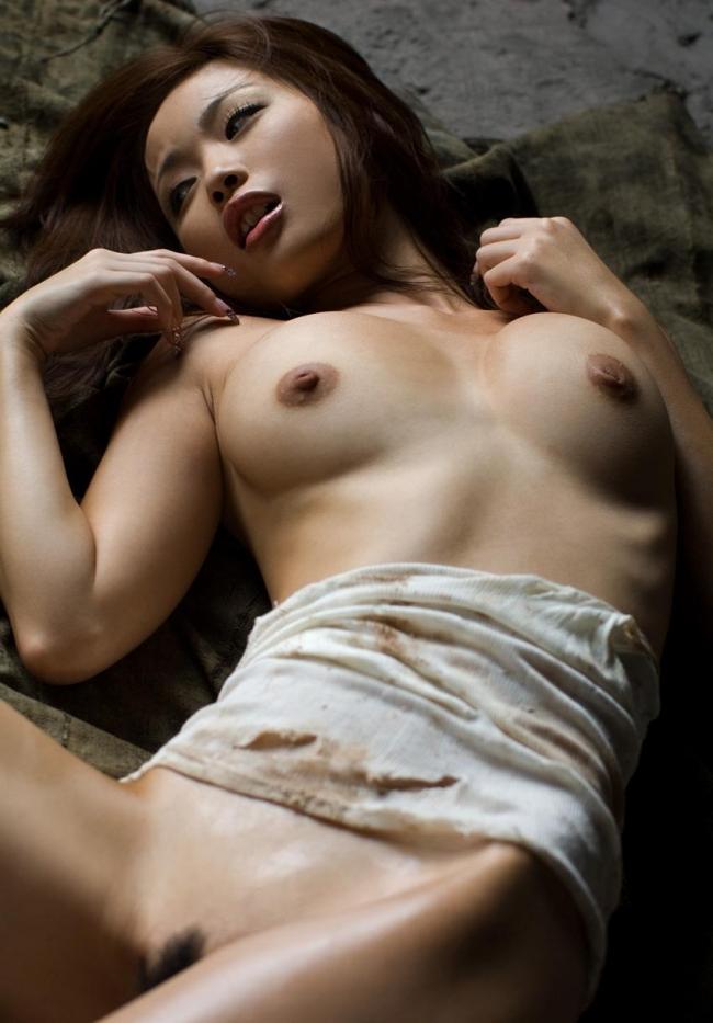 【かすみりさエロ画像】闇金ウシジマ君などに出演している、大人気の清楚なお姉さんのヌードwww 07