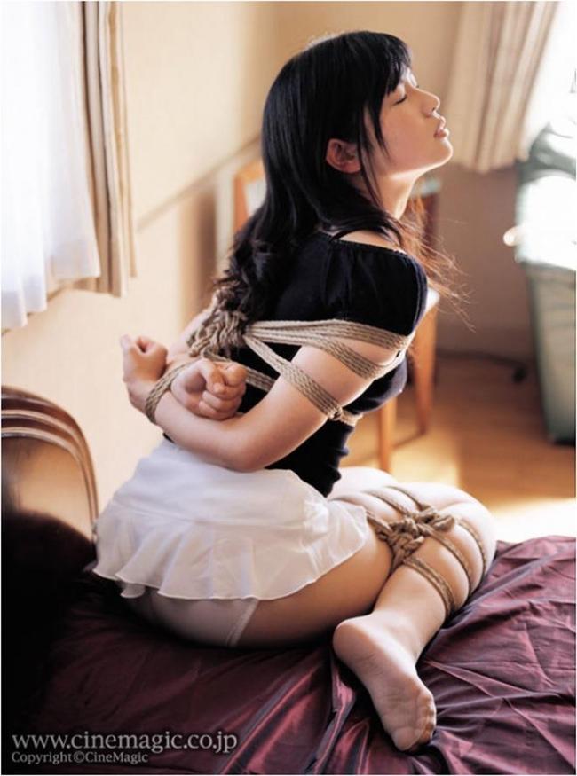 【緊縛エロ画像】縄で縛られて、ドMさんのおマンコがじんわりと濡れていそうな画像www 31