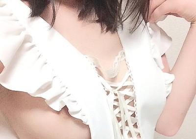 春から大学生の女神が裸エプロンや上半身ハダカの画像をTwitterにうpwwwwwww