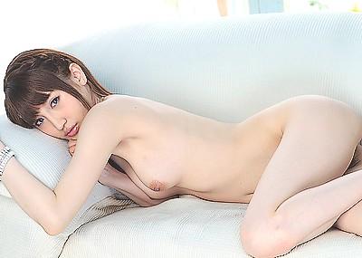 【愛沢かりんエロ画像】小悪魔系美少女と、ねっとりとハメ撮りセックスしてみたくない?
