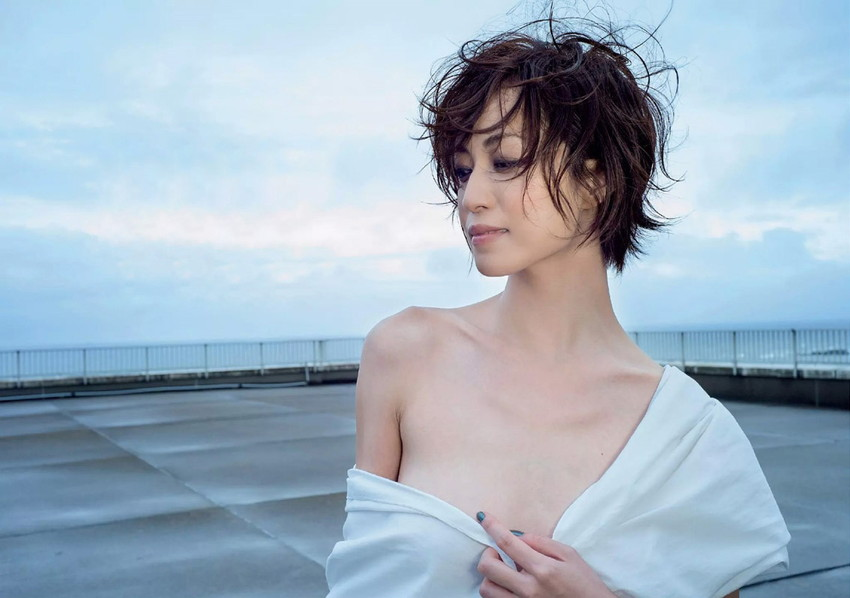 【及川奈央エロ画像】レジェンド、伝説と呼ばれている女優の美しいプロポーションが最高すぎるWWW 05