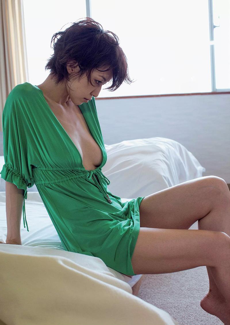 【及川奈央エロ画像】レジェンド、伝説と呼ばれている女優の美しいプロポーションが最高すぎるWWW 07