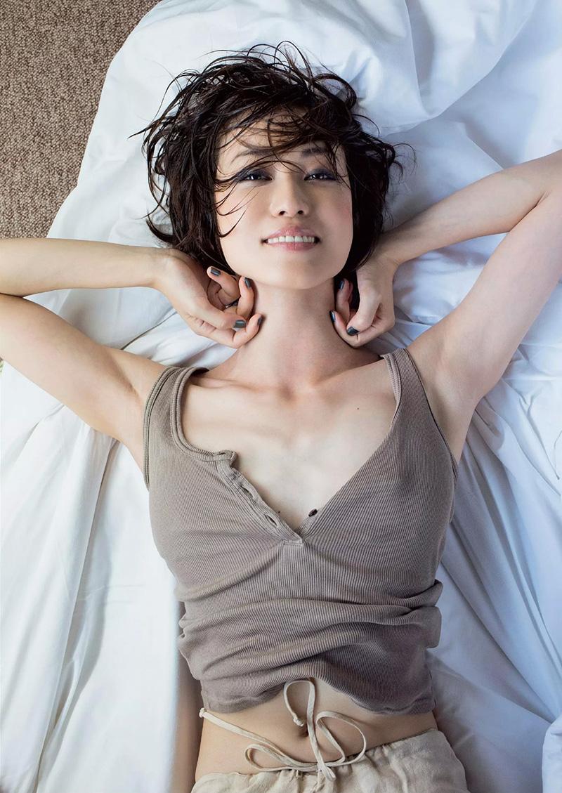 【及川奈央エロ画像】レジェンド、伝説と呼ばれている女優の美しいプロポーションが最高すぎるWWW 08